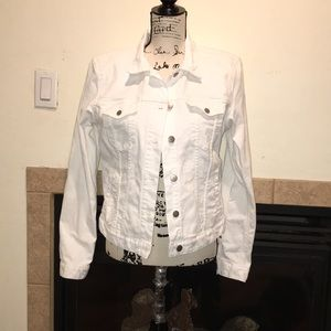 Gap white jean jacket size medium